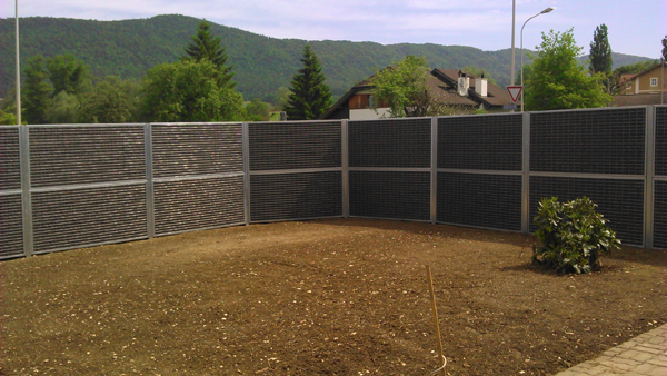 Nouvelle installation de mur anti bruit en suisse mur anti for Protection mur exterieur enterre