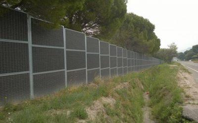 Installation d'une clôture anti bruit – Camping- Village de Vacances