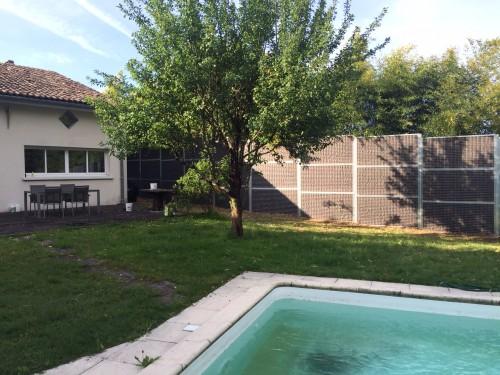 protection anti bruit jardin avec piscine en gironde fermisol. Black Bedroom Furniture Sets. Home Design Ideas