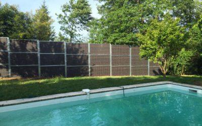 Protéger l'intimité d'un agréable jardin avec piscine en Gironde (33)