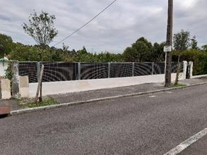 Réduction bruit route grâce à une clôture anti-bruit
